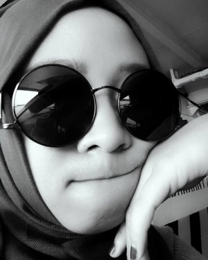 Silence is the greatest of all expressions, when talk is not useful . . #quote #selfie #clozetteid #monochrome