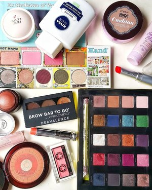 On my canvas today: - Nivea Balm - Emina Beauty Bliss - L'oreal Cushion - Beauty Story DD Loose Powder - The Balm Mischevious Marissa + Sexy + Mary Lou +Urban Decay Revolver - Gerard Cosmetics Brow Bar To Go (middle pan) - The Body Shop Honey Bronzer 03 - Artdeco Sun Blusher - The Face Shop Lovely Me Blusher 07 - Dior Lipglow Coral - Shu Uemura Gangnam Orange . . . #clozetteid #clozettestar #makeupmess #makeupjunkie #makeupaddict #makeuphoarder #makeuplover #beautyjunkie #indonesianbeautyblogger #fdbeauty #luxurymakeup #highendmakeup #motd #fotd #dailymakeup #bloggerindonesia #bloggerkediri #beautyvlogger #vloggerindonesia #bloggersurabaya #indonesiabeauty #sephora #sephoraindonesia #motd
