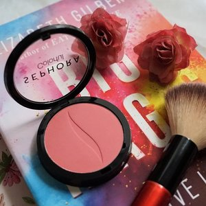 Anyone can't live without blush on? The same feeling here! Read my latest post about @sephoraidn Colorful Blush on in shade Flirt it Up, giving a subtle natural matte pink blush like meet up your crush! bit.ly/sephorablushon or link on bio ✨ . . . #mrshidayahpost #mrshidayahreview  #clozetteid #sephoraindonesia #blushon #makeup #motd #blushcrush