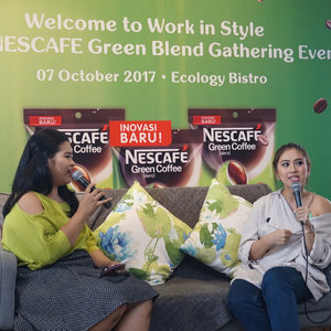 New post is UP on the blog! #throwback @nescafe_indonesia x @clozetteid Work in Style Nescafé Green Blend Gathering at @ecologyjkt earlier this month. Read my post about how to boost your confidence level with Nescafé Green Blend here 👉🏼 bit.ly/pededengannescafe or link on bio.It was a Saturday well spent with @tynakannamirdad & @ankatama, sharing her sense of fashion & makeup. She's stunning as always ❤️...#nescafegreenblend #GreenBlendxClozetteID #PancarkanPercayaDirimu #clozetteid