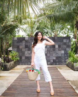 + Pretending I'm in Bali wearing this airy, white jumpsuit by @de.moda.shop , paired with my pom-pom basket bag and just a simple pair of flats. 🍃☀️ #aaendorse . . . #bali #balinese #baliindonesia #balibabe #balibound #beach #beachdays #beachbabe #beachlife #beachwear #summer #summervacation #ootdbali #travelbali#traveltobali #explorebali #exploreindonesia #baliphotography #goldenhour #ootdindonesia #ootdbali #lookbook #lookbookindonesia#clozetteid