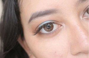 Wink wink  Lens : @eyelovin eos brown Shadow : Sleek iDivine Sunset  #heytarra #indonesiabeautyblogger #indobeautygram #beautybloggerindonesia #bloggerceriaid #clozetteid #wakeupmakeup #makeupmafia #hudabeauty #lorac #sleekmakeup #makeupporn #makeupforever #eotd #motd #instagood #instadaily