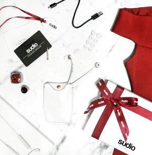 Early Christmas gift from @sudiosweden You can use my code: Yenni15 to get 15% off online purchase at www.sudiosweden.com/id #sudiosweden #sudiomoments