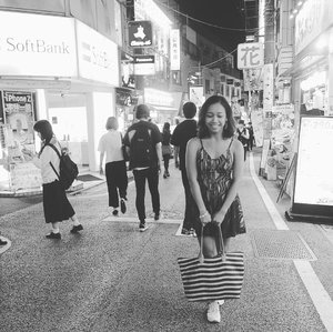 #throwback Japan ❤ . . . .  #sakuralisha #independentwoman #indonesianbeautyblogger #shibuya #trip #travels #holiday #traveller #travellife #followback #followforfollow #likeforlike #instagood #likeforfollow #followme #like4like #follow4follow #instagram #tokyo #ootd #blackandwhite #fashion #travelphotography #clozetteid #autumn #japan
