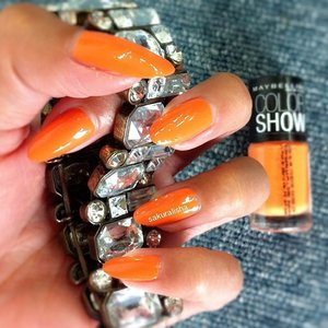 Dutch color !!! So falling in love ❤😍😘 review is up on my blog. Link on my bio. 😉 #clozetteid #kuteksjunkies #kuteks #kutek #nail #nailpolish #nailart @maybelline @maybellineina  #maybelline #orange #dutchcolor #netherland #amsterdam #holland #nailadditc #notd #beautyblogger #internationalblogger #blogger #bloggerindonesia #world #newyork #vegas_nay #australia