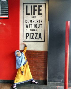 Really????? For me, life is not complete without...You.  #pizza #dominospizza #dominos #dominosid #havefunwithkids #jalanjalanzadanra #clozetteid #hijab #littlehijaber #hijaber #momlife #daughter #anakperempuan #littlegirl #hijabercilik #ootdhijab #ootdkids
