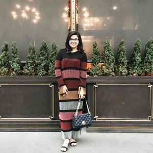 Knit dresses are perfect for windy and gloomy days 🌥 #ootd #latergram . . . . . . #ootd #photooftheday #fashionblogger #igers #instadaily #mumbai #indian #jakarta #love #blogger #clozetteid #midwestbloggers #like4like #instafashion #igfashion #fashiongram #whatiwore #streetstyleindia #bloggersuperlooks #prettylittleiiinspo #styletip #lovesavy #stylecollective