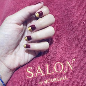 . Hey there, I recently got my hair/nails done at home. I loved the ease - skipped the traffic, parking and waiting time. Plus, the result was amazing! Download Salon by Houzcall app from http://salon.co.id/app Don't forget to enter my promo code AZXXZ to get Rp. 75.000 off your first booking. Enjoy your me-time!! 💋 . @salonbyhouzcall #salonbyhouzcall #homeservice #homeservicesalon #nails #hair #waxing #beauty #bblogger #bloggerslife #mommyblogger #clozetteid #nailart #nailpolish #nailstagram