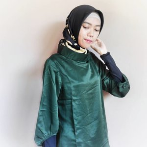 Try to wear green army? why not?! That colour presents a simple but elegant look. 👗 @korz_collection ......#KorzCollection #KorzXDian #ClozetteID #hijab #hijablook #fashion #style #fashionstyle #modestfashion #indonesianblogger #bloggerindo #fashionblogger #indonesianfashionblogger