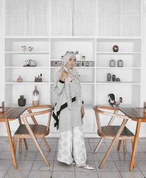 When a woman is talking to you, listen to what she says with her eyes.......#clozetteID #ootd #OOTDindo #ootdhijab #Fashion #style #blogger #hootd #hotd #hijabootdindo #hijabootd #diannostyle #fashionblogger #indofashionpeople #indofashionblogger #bloggerindo #bloggerlife #clozettedaily #starclozetter #lookbook #lookbookindonesia #fashionpeople #hijaboftheday