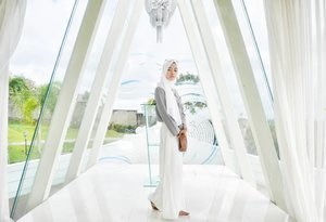 Beauty is the purest feeling of the soul. Beauty arises when soul is satisfied. -AR-  Happy friday 💕 . . . . . .  #ClozetteID #clozettedaily #hijab #ootd #hijabootdindo #hijabootd #fashion #travel #blogger #indoblogger #bloggerindo #bloggerindonesia #indonesianfemalebloggers #indonesianhijabblogger #bloggerperempuan #bali #balilife #balidaily #hijabtraveler #lumix #lumix_id #lumixleica #lumixgf8 #lumixgf8bydian #lumixgf8indonesia #lumixindonesia