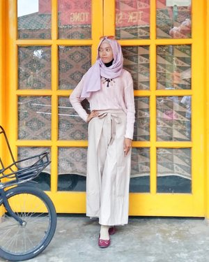 I believe if you keep your faith, you keep your trust, you keep the right attitude. If you're grateful, you will see God open up new doors. -- Joel Osteen .....#Clozetteid #clozettedaily #lifestyle #fashion  #hijabstyle #hijablook #starclozetter #clozetter #style #modestfashion #modeststyle #hijabootdindo #hijabootd #hootd #OOTD #casual #casuallook #ilook