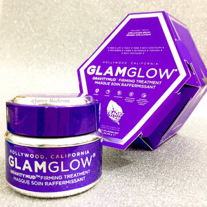 Loving this @glamglow #gravitymud 💜💜💜 filming rite now for the latest #makeuphaul #beautyhaul 😁✨ feels so good after take a little break ... #metime #clozette #clozetteid #clozetteambassador #beautyblog #beautylover #beautyaddict #beautyvlogger #beautyblogger #beautyyoutuber #wakeupandmakeup #purple #antiaging #foreveryoung #skincare #skincarelover