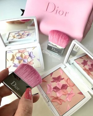 Adding these beauties #limitededition #diorsnow  @diormakeup 💖💕 to my #makeup #makeupcollection  Last season I manage to get the #exclusive #asia launch at Japan.  Thank you to make it easier this time 😊💖💕 . #diormakeup #diorbeauty #pink #sunday #sundayfunday #pinkish #powder #makeup  #makeuppost #makeuptalk #wakeupandmakeup #ilovemakeup #luxurybeauty #makeupblog #beautyblog #clozette #clozetteid #spring2018 #beautyblogger #beautyvlogger #beautygram #beautylover #makeupaddict