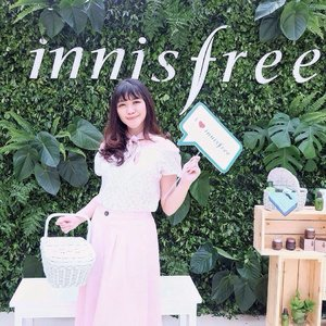 And finally, welcome Innisfree to Indonesia 🌿🌷If you love their product like i do, no need online shopping from now on girls! cause @innisfreeindonesia will be soon open their very first store at Central Park Mall on 24th March 2017 ✨ Happy shopping! . . . . . #selfportrait #ulzzang #clozetteid #innisfree #beautyblogger #bbloger #beautyenthusiast #makeupjunkie #bestoftheday #skuncare #indonesianbeautyblogger #beautybloggerid #beautyguru #l4l #likesforlikes #photooftheday #beauty #makeup #asiangirl #instastyle #beautyjunkie #얼짱 #일상 #데일리룩 #셀스타그램 #셀카 #koreanbeauty #koreanbeautyproduct #beautyinfluencer