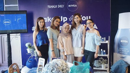 """<div class=""""photoCaption"""">Attending event @nivea_id with beauty blogger/vlogger from @femaledailynetwork ❤<br /> Can't move on from this event 😍<br />  <a class=""""pink-url"""" target=""""_blank"""" href=""""http://m.id.clozette.co/search/query?term=cleansedbynivea&siteseach=Submit"""">#cleansedbynivea</a>  <a class=""""pink-url"""" target=""""_blank"""" href=""""http://m.id.clozette.co/search/query?term=FDxNivea&siteseach=Submit"""">#FDxNivea</a>  <a class=""""pink-url"""" target=""""_blank"""" href=""""http://m.id.clozette.co/search/query?term=ClozetteID&siteseach=Submit"""">#ClozetteID</a></div>"""