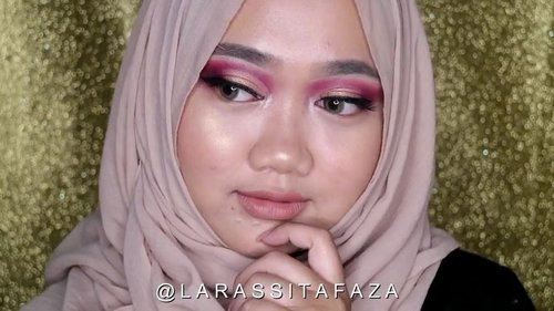 """<div class=""""photoCaption"""">New video is up! @focallure One Brand Tutorial⭐️</div>"""