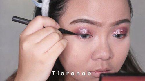 "<div class=""photoCaption"">Selamat sabtu pagi! Siapa yang mau kondangan hari ini?  <a class=""pink-url"" target=""_blank"" href=""http://m.clozette.co.id/search/query?term=Beautytutorial&siteseach=Submit"">#Beautytutorial</a> mini dari aku untuk makeup soft glam 💖 Of course with tons of Glitter 😋Deets @CliniqueIndonesia Acne Foundation shade 66 @Maybelline Fit Me Concealer in shade light @Catrice.cosmetics Powder Brozner in shade Sun Light @MorpheBrush Eyeshadow palette Jaclyn hills@BeautybySarahAchmad Glitter in Dubai @WetnWildCosmetics eyebrow pencil in brown @InnisfreeIndonesia Zero Sebum Powder @GobanCosmetics  <a class=""pink-url"" target=""_blank"" href=""http://m.clozette.co.id/search/query?term=NebulaBronze&siteseach=Submit"">#NebulaBronze</a>  <a class=""pink-url"" target=""_blank"" href=""http://m.clozette.co.id/search/query?term=TiaranabTutorial&siteseach=Submit"">#TiaranabTutorial</a>  <a class=""pink-url"" target=""_blank"" href=""http://m.clozette.co.id/search/query?term=ClozetteID&siteseach=Submit"">#ClozetteID</a>  <a class=""pink-url"" target=""_blank"" href=""http://m.clozette.co.id/search/query?term=IBV&siteseach=Submit"">#IBV</a>  @indobeautygram  <a class=""pink-url"" target=""_blank"" href=""http://m.clozette.co.id/search/query?term=beautybloggerIndonesia&siteseach=Submit"">#beautybloggerIndonesia</a> @beautybloggerindonesia  <a class=""pink-url"" target=""_blank"" href=""http://m.clozette.co.id/search/query?term=Beautiesquad&siteseach=Submit"">#Beautiesquad</a> @beautysquad  <a class=""pink-url"" target=""_blank"" href=""http://m.clozette.co.id/search/query?term=bunnyneedsmakeup&siteseach=Submit"">#bunnyneedsmakeup</a></div>"