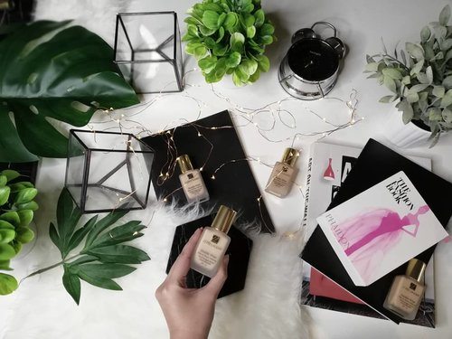 """<div class=""""photoCaption"""">Double Wear Stay in Place by @esteelauder makes me worry no more about time  <a class=""""pink-url"""" target=""""_blank"""" href=""""http://m.id.clozette.co/search/query?term=esteeid&siteseach=Submit"""">#esteeid</a> <a class=""""pink-url"""" target=""""_blank"""" href=""""http://m.id.clozette.co/search/query?term=doublewearornothing&siteseach=Submit"""">#doublewearornothing</a> <a class=""""pink-url"""" target=""""_blank"""" href=""""http://m.id.clozette.co/search/query?term=teammatte&siteseach=Submit"""">#teammatte</a> <a class=""""pink-url"""" target=""""_blank"""" href=""""http://m.id.clozette.co/search/query?term=teamjanine&siteseach=Submit"""">#teamjanine</a></div>"""