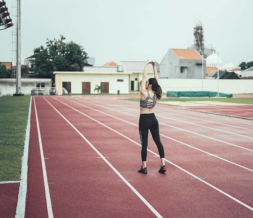 """<div class=""""photoCaption"""">Ready for mawningg jog in @corenationactive 🏃♀️🏃♀️🏃♀️<br /> Oh how I miss being in sweat again after some holiday moment 💦<br />  <a class=""""pink-url"""" target=""""_blank"""" href=""""http://m.clozette.co.id/search/query?term=clozetteid&siteseach=Submit"""">#clozetteid</a>  <a class=""""pink-url"""" target=""""_blank"""" href=""""http://m.clozette.co.id/search/query?term=lyke_wulanwu&siteseach=Submit"""">#lyke_wulanwu</a>  <a class=""""pink-url"""" target=""""_blank"""" href=""""http://m.clozette.co.id/search/query?term=lykeshopmystyle&siteseach=Submit"""">#lykeshopmystyle</a>  <a class=""""pink-url"""" target=""""_blank"""" href=""""http://m.clozette.co.id/search/query?term=gymlife&siteseach=Submit"""">#gymlife</a></div>"""