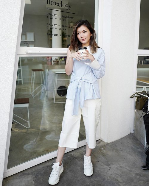 """<div class=""""photoCaption"""">Sunday coffee o'clock in @kinkami.id ☕☕☕<br />  <a class=""""pink-url"""" target=""""_blank"""" href=""""http://m.id.clozette.co/search/query?term=lookbookindonesia&siteseach=Submit"""">#lookbookindonesia</a>  <a class=""""pink-url"""" target=""""_blank"""" href=""""http://m.id.clozette.co/search/query?term=lookbooknu&siteseach=Submit"""">#lookbooknu</a>  <a class=""""pink-url"""" target=""""_blank"""" href=""""http://m.id.clozette.co/search/query?term=ootdindo&siteseach=Submit"""">#ootdindo</a>  <a class=""""pink-url"""" target=""""_blank"""" href=""""http://m.id.clozette.co/search/query?term=ggrep&siteseach=Submit"""">#ggrep</a>  <a class=""""pink-url"""" target=""""_blank"""" href=""""http://m.id.clozette.co/search/query?term=ggreptrend&siteseach=Submit"""">#ggreptrend</a>  <a class=""""pink-url"""" target=""""_blank"""" href=""""http://m.id.clozette.co/search/query?term=cgstreetstyle&siteseach=Submit"""">#cgstreetstyle</a>  <a class=""""pink-url"""" target=""""_blank"""" href=""""http://m.id.clozette.co/search/query?term=looksootd&siteseach=Submit"""">#looksootd</a>  <a class=""""pink-url"""" target=""""_blank"""" href=""""http://m.id.clozette.co/search/query?term=clozetteid&siteseach=Submit"""">#clozetteid</a>  <a class=""""pink-url"""" target=""""_blank"""" href=""""http://m.id.clozette.co/search/query?term=lykeambassador&siteseach=Submit"""">#lykeambassador</a></div>"""