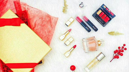 """<div class=""""photoCaption"""">Thank you so much Guerlain for this Perfect Christmas gift 😍🎄some of these are new products from Guerlain 💕<br /> .<br /> 💋 KissKiss Matte in Spicy Burgundy & Caliente Beige, the first hydrating & plumping matte by Guerlain as intense as a lipstick & as comfortable as a balm<br /> .<br /> 💋 L'Or Radiance Concentrate With Pure Gold Make Up Base, is an embellishing make-up base sprinkled with pure 24-carat gold flakes, skin is smooth, supple and satiny, ready for perfect, enhanced and long-lasting make-up<br /> .<br /> 💋 KissKiss From Paris Lip Contouring Palette, brings u two contouring palettes for a beautiful, defined, well-dressed mouth<br /> .<br /> 💋 Intense Liquid Matte in Tempting Rose & Exciting Pink, as creamy as a gloss and as intense as a lipstick, the liquid matte sculpts the lips & ensures flawless long-wear<br /> .<br /> 💋 Mon Guerlain Eau De Perfume, it boasts favourite notes of lavender and vanilla in a scent that works as a clash between the modern and the classic</div>"""