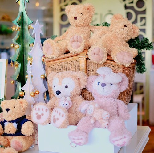 "<div class=""photoCaption"">Always sucker for cute teddy bear😫😖🐻💓Helppp😅 .... <a class=""pink-url"" target=""_blank"" href=""http://m.clozette.co.id/search/query?term=clozetteid&siteseach=Submit"">#clozetteid</a>  <a class=""pink-url"" target=""_blank"" href=""http://m.clozette.co.id/search/query?term=lykeambassador&siteseach=Submit"">#lykeambassador</a></div>"
