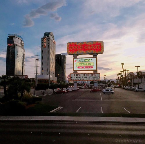 """<div class=""""photoCaption"""">Vegas, 2015. What a view🌆<br /> .<br /> .<br /> .<br /> .<br /> .<br />  <a class=""""pink-url"""" target=""""_blank"""" href=""""http://m.id.clozette.co/search/query?term=clozetteid&siteseach=Submit"""">#clozetteid</a>  <a class=""""pink-url"""" target=""""_blank"""" href=""""http://m.id.clozette.co/search/query?term=lykeambassador&siteseach=Submit"""">#lykeambassador</a>  <a class=""""pink-url"""" target=""""_blank"""" href=""""http://m.id.clozette.co/search/query?term=usa&siteseach=Submit"""">#usa</a>  <a class=""""pink-url"""" target=""""_blank"""" href=""""http://m.id.clozette.co/search/query?term=america&siteseach=Submit"""">#america</a>  <a class=""""pink-url"""" target=""""_blank"""" href=""""http://m.id.clozette.co/search/query?term=lasvegas&siteseach=Submit"""">#lasvegas</a>  <a class=""""pink-url"""" target=""""_blank"""" href=""""http://m.id.clozette.co/search/query?term=vegas&siteseach=Submit"""">#vegas</a>  <a class=""""pink-url"""" target=""""_blank"""" href=""""http://m.id.clozette.co/search/query?term=lasvegasstrip&siteseach=Submit"""">#lasvegasstrip</a>  <a class=""""pink-url"""" target=""""_blank"""" href=""""http://m.id.clozette.co/search/query?term=holiday&siteseach=Submit"""">#holiday</a>  <a class=""""pink-url"""" target=""""_blank"""" href=""""http://m.id.clozette.co/search/query?term=palms&siteseach=Submit"""">#palms</a>  <a class=""""pink-url"""" target=""""_blank"""" href=""""http://m.id.clozette.co/search/query?term=instagood&siteseach=Submit"""">#instagood</a>  <a class=""""pink-url"""" target=""""_blank"""" href=""""http://m.id.clozette.co/search/query?term=trip&siteseach=Submit"""">#trip</a></div>"""