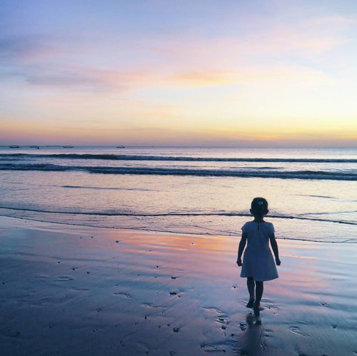 "<div class=""photoCaption"">I'm craving for tomorrow's sunset twilight😍😍<br /> See you very soon, Bali 😘😇<br />  <a class=""pink-url"" target=""_blank"" href=""http://m.clozette.co.id/search/query?term=child&siteseach=Submit"">#child</a>  <a class=""pink-url"" target=""_blank"" href=""http://m.clozette.co.id/search/query?term=sunset&siteseach=Submit"">#sunset</a>  <a class=""pink-url"" target=""_blank"" href=""http://m.clozette.co.id/search/query?term=twilight&siteseach=Submit"">#twilight</a>  <a class=""pink-url"" target=""_blank"" href=""http://m.clozette.co.id/search/query?term=beach&siteseach=Submit"">#beach</a>  <a class=""pink-url"" target=""_blank"" href=""http://m.clozette.co.id/search/query?term=beachsand&siteseach=Submit"">#beachsand</a>  <a class=""pink-url"" target=""_blank"" href=""http://m.clozette.co.id/search/query?term=sky&siteseach=Submit"">#sky</a>  <a class=""pink-url"" target=""_blank"" href=""http://m.clozette.co.id/search/query?term=skyporn&siteseach=Submit"">#skyporn</a>  <a class=""pink-url"" target=""_blank"" href=""http://m.clozette.co.id/search/query?term=bali&siteseach=Submit"">#bali</a>  <a class=""pink-url"" target=""_blank"" href=""http://m.clozette.co.id/search/query?term=Indonesia&siteseach=Submit"">#Indonesia</a>  <a class=""pink-url"" target=""_blank"" href=""http://m.clozette.co.id/search/query?term=PesonaIndonesia&siteseach=Submit"">#PesonaIndonesia</a>  <a class=""pink-url"" target=""_blank"" href=""http://m.clozette.co.id/search/query?term=wonderfulIndonesia&siteseach=Submit"">#wonderfulIndonesia</a>  <a class=""pink-url"" target=""_blank"" href=""http://m.clozette.co.id/search/query?term=traveling&siteseach=Submit"">#traveling</a>  <a class=""pink-url"" target=""_blank"" href=""http://m.clozette.co.id/search/query?term=traveler&siteseach=Submit"">#traveler</a>  <a class=""pink-url"" target=""_blank"" href=""http://m.clozette.co.id/search/query?term=travel&siteseach=Submit"">#travel</a>  <a class=""pink-url"" target=""_blank"" href=""http://m.clozette.co.id/search/query?term=nature&siteseach=Submit"">#nature</a>  <a class=""pink-url"" target=""_blank"" href=""http://m.clozette.co.id/search/query?term=naturelovers&siteseach=Submit"">#naturelovers</a>  <a class=""pink-url"" target=""_blank"" href=""http://m.clozette.co.id/search/query?term=photooftheday&siteseach=Submit"">#photooftheday</a>  <a class=""pink-url"" target=""_blank"" href=""http://m.clozette.co.id/search/query?term=pictureoftheday&siteseach=Submit"">#pictureoftheday</a>  <a class=""pink-url"" target=""_blank"" href=""http://m.clozette.co.id/search/query?term=photography&siteseach=Submit"">#photography</a>  <a class=""pink-url"" target=""_blank"" href=""http://m.clozette.co.id/search/query?term=photographer&siteseach=Submit"">#photographer</a>  <a class=""pink-url"" target=""_blank"" href=""http://m.clozette.co.id/search/query?term=clozetteid&siteseach=Submit"">#clozetteid</a></div>"