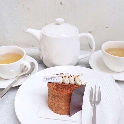 "<div class=""photoCaption"">Tea for two and a sweet treat is my perfect companion! My fav kind of evening delight 🍰@namelaka.id  <a class=""pink-url"" target=""_blank"" href=""http://m.clozette.co.id/search/query?term=stevieculinaryjournal&siteseach=Submit"">#stevieculinaryjournal</a>  <a class=""pink-url"" target=""_blank"" href=""http://m.clozette.co.id/search/query?term=dessert&siteseach=Submit"">#dessert</a>  <a class=""pink-url"" target=""_blank"" href=""http://m.clozette.co.id/search/query?term=yummy&siteseach=Submit"">#yummy</a>  <a class=""pink-url"" target=""_blank"" href=""http://m.clozette.co.id/search/query?term=ggrep&siteseach=Submit"">#ggrep</a></div>"