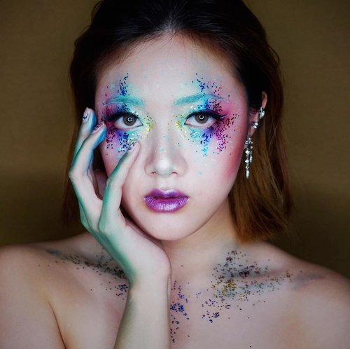 "<div class=""photoCaption"">Playing with glitters for Halloween this year 🌹 so this is my unicorn look 🦄 Face :- @laneigeid BB cushion Whitening- @3ce_official studio blur filter powderEyes :- @coastalscents 252 ultimate Palette- @etude_official eye primer- Daiso glitters- @lavielash lashes ""fleur""- @bulumatarefill lashes ""wispies""- @absolutenewyork_id cotton candy liners.And I used the same palette for contour and lips❤️  <a class=""pink-url"" target=""_blank"" href=""http://m.id.clozette.co/search/query?term=absolutenewyorkid&siteseach=Submit"">#absolutenewyorkid</a>  <a class=""pink-url"" target=""_blank"" href=""http://m.id.clozette.co/search/query?term=cottoncandy&siteseach=Submit"">#cottoncandy</a>  <a class=""pink-url"" target=""_blank"" href=""http://m.id.clozette.co/search/query?term=cottoncandyliners&siteseach=Submit"">#cottoncandyliners</a>  <a class=""pink-url"" target=""_blank"" href=""http://m.id.clozette.co/search/query?term=eyeliners&siteseach=Submit"">#eyeliners</a>  <a class=""pink-url"" target=""_blank"" href=""http://m.id.clozette.co/search/query?term=clozetteid.............&siteseach=Submit"">#clozetteid.............</a> <a class=""pink-url"" target=""_blank"" href=""http://m.id.clozette.co/search/query?term=beautyblogger&siteseach=Submit"">#beautyblogger</a>  <a class=""pink-url"" target=""_blank"" href=""http://m.id.clozette.co/search/query?term=fashionblogger&siteseach=Submit"">#fashionblogger</a>  <a class=""pink-url"" target=""_blank"" href=""http://m.id.clozette.co/search/query?term=beautyyoutuber&siteseach=Submit"">#beautyyoutuber</a>  #패션  #뷰티  #얼짱  #메이크업  <a class=""pink-url"" target=""_blank"" href=""http://m.id.clozette.co/search/query?term=makeupaddict&siteseach=Submit"">#makeupaddict</a>  <a class=""pink-url"" target=""_blank"" href=""http://m.id.clozette.co/search/query?term=makeupjunkie&siteseach=Submit"">#makeupjunkie</a>  <a class=""pink-url"" target=""_blank"" href=""http://m.id.clozette.co/search/query?term=ulzzang&siteseach=Submit"">#ulzzang</a>  <a class=""pink-url"" target=""_blank"" href=""http://m.id.clozette.co/search/query?term=skincare&siteseach=Submit"">#skincare</a>  <a class=""pink-url"" target=""_blank"" href=""http://m.id.clozette.co/search/query?term=dailymakeup&siteseach=Submit"">#dailymakeup</a>  <a class=""pink-url"" target=""_blank"" href=""http://m.id.clozette.co/search/query?term=eyeshadow&siteseach=Submit"">#eyeshadow</a>  #뷰티블로거  #패션블로거  <a class=""pink-url"" target=""_blank"" href=""http://m.id.clozette.co/search/query?term=halloweenmakeup&siteseach=Submit"">#halloweenmakeup</a>  <a class=""pink-url"" target=""_blank"" href=""http://m.id.clozette.co/search/query?term=halloween&siteseach=Submit"">#halloween</a>  <a class=""pink-url"" target=""_blank"" href=""http://m.id.clozette.co/search/query?term=makeup&siteseach=Submit"">#makeup</a>  <a class=""pink-url"" target=""_blank"" href=""http://m.id.clozette.co/search/query?term=themedmakeup&siteseach=Submit"">#themedmakeup</a>  <a class=""pink-url"" target=""_blank"" href=""http://m.id.clozette.co/search/query?term=liquid&siteseach=Submit"">#liquid</a>  <a class=""pink-url"" target=""_blank"" href=""http://m.id.clozette.co/search/query?term=pastels&siteseach=Submit"">#pastels</a>  <a class=""pink-url"" target=""_blank"" href=""http://m.id.clozette.co/search/query?term=makeuptutorial&siteseach=Submit"">#makeuptutorial</a>  <a class=""pink-url"" target=""_blank"" href=""http://m.id.clozette.co/search/query?term=ANYxClozetteIDReview&siteseach=Submit"">#ANYxClozetteIDReview</a>  <a class=""pink-url"" target=""_blank"" href=""http://m.id.clozette.co/search/query?term=clozetteidreview&siteseach=Submit"">#clozetteidreview</a>  <a class=""pink-url"" target=""_blank"" href=""http://m.id.clozette.co/search/query?term=indobeautygram&siteseach=Submit"">#indobeautygram</a></div>"