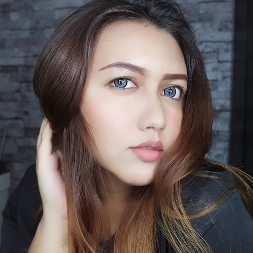 """<div class=""""photoCaption"""">Soft-natural-simple makeup (halaaah hahahaha) 😆😝 Makeup details:<br /> - pixy aqua beauty protecting mist<br /> - pixy bb cream<br /> - pixy eyebrow pencil brown<br /> - pixy line and shadow<br /> - pixy lip cream mild peach<br /> - pixy highlight and shading<br /> - pixy two way cake<br /> - pixy lip cream goudy orange<br /> - pixy lip cream delicate pink<br /> .<br /> .<br /> .<br /> .<br /> .<br /> .<br /> .<br /> .<br /> .<br /> .<br /> .<br /> .<br /> .<br /> .<br /> .<br /> .<br /> .<br /> .<br /> .<br />  <a class=""""pink-url"""" target=""""_blank"""" href=""""http://m.id.clozette.co/search/query?term=PIXYxdreamid&siteseach=Submit"""">#PIXYxdreamid</a>  <a class=""""pink-url"""" target=""""_blank"""" href=""""http://m.id.clozette.co/search/query?term=InTheMoodForNude&siteseach=Submit"""">#InTheMoodForNude</a>  <a class=""""pink-url"""" target=""""_blank"""" href=""""http://m.id.clozette.co/search/query?term=pixyxsuhaysalim&siteseach=Submit"""">#pixyxsuhaysalim</a> @pixycosmetics<br />  <a class=""""pink-url"""" target=""""_blank"""" href=""""http://m.id.clozette.co/search/query?term=clozetteid&siteseach=Submit"""">#clozetteid</a>  <a class=""""pink-url"""" target=""""_blank"""" href=""""http://m.id.clozette.co/search/query?term=beautynesiamember&siteseach=Submit"""">#beautynesiamember</a>  <a class=""""pink-url"""" target=""""_blank"""" href=""""http://m.id.clozette.co/search/query?term=khansamanda&siteseach=Submit"""">#khansamanda</a>  <a class=""""pink-url"""" target=""""_blank"""" href=""""http://m.id.clozette.co/search/query?term=pixycosmetics&siteseach=Submit"""">#pixycosmetics</a>  <a class=""""pink-url"""" target=""""_blank"""" href=""""http://m.id.clozette.co/search/query?term=pixulipcream&siteseach=Submit"""">#pixulipcream</a>  <a class=""""pink-url"""" target=""""_blank"""" href=""""http://m.id.clozette.co/search/query?term=beautyblogger&siteseach=Submit"""">#beautyblogger</a>  <a class=""""pink-url"""" target=""""_blank"""" href=""""http://m.id.clozette.co/search/query?term=beautyvlogger&siteseach=Submit"""">#beautyvlogger</a>  <a class=""""pink-url"""" target=""""_blank"""" href=""""http://m.id.clozette.co/searc"""
