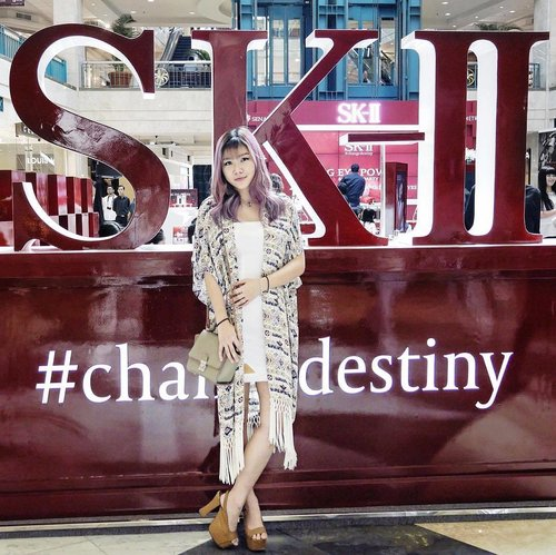 "<div class=""photoCaption"">Now on going @skii  <a class=""pink-url"" target=""_blank"" href=""http://m.id.clozette.co/search/query?term=ChangeDestiny&siteseach=Submit"">#ChangeDestiny</a> event at Plaza Senayan. So excited to witness the excitement towards the launching! It's all about eyes, peeps!  <a class=""pink-url"" target=""_blank"" href=""http://m.id.clozette.co/search/query?term=SKII&siteseach=Submit"">#SKII</a>  <a class=""pink-url"" target=""_blank"" href=""http://m.id.clozette.co/search/query?term=RNAPOWER&siteseach=Submit"">#RNAPOWER</a>  <a class=""pink-url"" target=""_blank"" href=""http://m.id.clozette.co/search/query?term=BIGGERLOOKINGEYES&siteseach=Submit"">#BIGGERLOOKINGEYES</a>  <a class=""pink-url"" target=""_blank"" href=""http://m.id.clozette.co/search/query?term=clozetteid&siteseach=Submit"">#clozetteid</a><br /> Photo by: @thelipstickmafiaaa</div>"