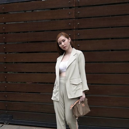 """<div class=""""photoCaption"""">More earthy tone vibes. Suited up for the weekend wearing @tgifashion_id Alexa set in khaki paired with my favourite bralette, @loiree.id Hoop Earring and @welkinandspine Travelling dopp kit. Photo taken by @samseite using  <a class=""""pink-url"""" target=""""_blank"""" href=""""http://m.id.clozette.co/search/query?term=NikonJ5&siteseach=Submit"""">#NikonJ5</a> 18.5mm lens, the one who made our house fence looks insta worthy 😉  <a class=""""pink-url"""" target=""""_blank"""" href=""""http://m.id.clozette.co/search/query?term=whatiwore&siteseach=Submit"""">#whatiwore</a>  <a class=""""pink-url"""" target=""""_blank"""" href=""""http://m.id.clozette.co/search/query?term=clozetteid&siteseach=Submit"""">#clozetteid</a>  <a class=""""pink-url"""" target=""""_blank"""" href=""""http://m.id.clozette.co/search/query?term=OOTD&siteseach=Submit"""">#OOTD</a></div>"""