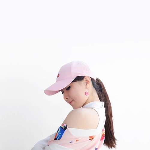 """<div class=""""photoCaption"""">Sporty vibe // yay or nay?Earring : @iwearbanana ..... <a class=""""pink-url"""" target=""""_blank"""" href=""""http://m.id.clozette.co/search/query?term=clozetteid&siteseach=Submit"""">#clozetteid</a>  <a class=""""pink-url"""" target=""""_blank"""" href=""""http://m.id.clozette.co/search/query?term=makeup&siteseach=Submit"""">#makeup</a>  <a class=""""pink-url"""" target=""""_blank"""" href=""""http://m.id.clozette.co/search/query?term=photooftheday&siteseach=Submit"""">#photooftheday</a>  <a class=""""pink-url"""" target=""""_blank"""" href=""""http://m.id.clozette.co/search/query?term=love&siteseach=Submit"""">#love</a>  <a class=""""pink-url"""" target=""""_blank"""" href=""""http://m.id.clozette.co/search/query?term=instagood&siteseach=Submit"""">#instagood</a>  <a class=""""pink-url"""" target=""""_blank"""" href=""""http://m.id.clozette.co/search/query?term=makeupartist&siteseach=Submit"""">#makeupartist</a>  <a class=""""pink-url"""" target=""""_blank"""" href=""""http://m.id.clozette.co/search/query?term=tbt&siteseach=Submit"""">#tbt</a>  <a class=""""pink-url"""" target=""""_blank"""" href=""""http://m.id.clozette.co/search/query?term=happy&siteseach=Submit"""">#happy</a>  <a class=""""pink-url"""" target=""""_blank"""" href=""""http://m.id.clozette.co/search/query?term=me&siteseach=Submit"""">#me</a>  <a class=""""pink-url"""" target=""""_blank"""" href=""""http://m.id.clozette.co/search/query?term=girl&siteseach=Submit"""">#girl</a>  <a class=""""pink-url"""" target=""""_blank"""" href=""""http://m.id.clozette.co/search/query?term=art&siteseach=Submit"""">#art</a>  <a class=""""pink-url"""" target=""""_blank"""" href=""""http://m.id.clozette.co/search/query?term=fun&siteseach=Submit"""">#fun</a>  <a class=""""pink-url"""" target=""""_blank"""" href=""""http://m.id.clozette.co/search/query?term=ulzzang&siteseach=Submit"""">#ulzzang</a>  <a class=""""pink-url"""" target=""""_blank"""" href=""""http://m.id.clozette.co/search/query?term=sporty&siteseach=Submit"""">#sporty</a>  <a class=""""pink-url"""" target=""""_blank"""" href=""""http://m.id.clozette.co/search/query?term=photography&siteseach=Submit"""">#photography</a>  <a class=""""pink-url"""" target=""""_blank"""" href=""""http://m.id.clozette.co/search/"""