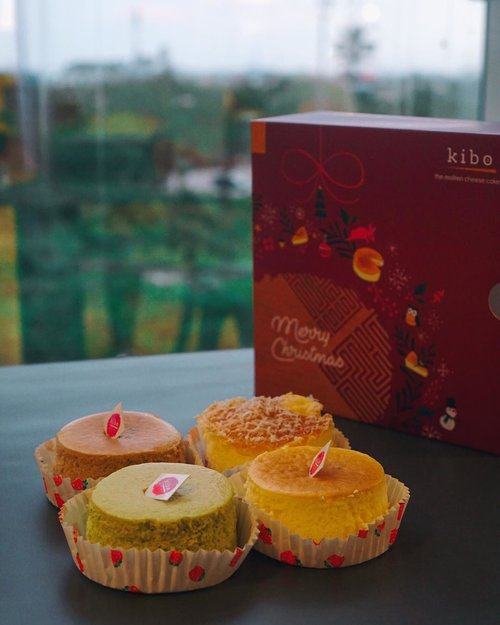 "<div class=""photoCaption"">Looking for savory treats for Christmas? Why not try @kibocheese ? These  <a class=""pink-url"" target=""_blank"" href=""http://m.id.clozette.co/search/query?term=moltencheesecake&siteseach=Submit"">#moltencheesecake</a> is also available on GoFood 😋— <a class=""pink-url"" target=""_blank"" href=""http://m.id.clozette.co/search/query?term=Kibocheese&siteseach=Submit"">#Kibocheese</a>  <a class=""pink-url"" target=""_blank"" href=""http://m.id.clozette.co/search/query?term=Kibomoltencheesecake&siteseach=Submit"">#Kibomoltencheesecake</a>  <a class=""pink-url"" target=""_blank"" href=""http://m.id.clozette.co/search/query?term=Clozetteid&siteseach=Submit"">#Clozetteid</a>  <a class=""pink-url"" target=""_blank"" href=""http://m.id.clozette.co/search/query?term=ClozetteidReview&siteseach=Submit"">#ClozetteidReview</a></div>"