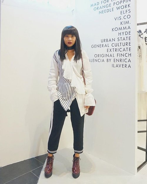 "<div class=""photoCaption"">Monochrome vibes at @brandoutletid pop-up store @plaza_indonesia level 4. <br />  <a class=""pink-url"" target=""_blank"" href=""http://m.id.clozette.co/search/query?term=ootd&siteseach=Submit"">#ootd</a> : 👕 @alexalexaofficial // 👖 @label8store <br />  <a class=""pink-url"" target=""_blank"" href=""http://m.id.clozette.co/search/query?term=brandoutletid&siteseach=Submit"">#brandoutletid</a>  <a class=""pink-url"" target=""_blank"" href=""http://m.id.clozette.co/search/query?term=beyondoriginal&siteseach=Submit"">#beyondoriginal</a>  <a class=""pink-url"" target=""_blank"" href=""http://m.id.clozette.co/search/query?term=clozetteid&siteseach=Submit"">#clozetteid</a>  <a class=""pink-url"" target=""_blank"" href=""http://m.id.clozette.co/search/query?term=clozette&siteseach=Submit"">#clozette</a></div>"