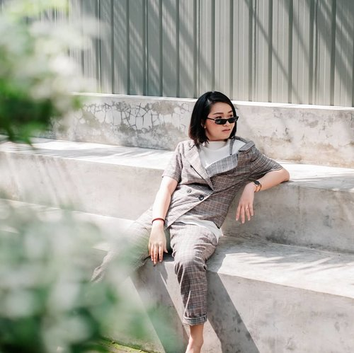 """<div class=""""photoCaption"""">Sunny side of me ☀️🕶️ @galerimata.collection 👙 @avgal_collection... <a class=""""pink-url"""" target=""""_blank"""" href=""""http://m.clozette.co.id/search/query?term=bloggerindonesia&siteseach=Submit"""">#bloggerindonesia</a>  <a class=""""pink-url"""" target=""""_blank"""" href=""""http://m.clozette.co.id/search/query?term=lookbookindonesia&siteseach=Submit"""">#lookbookindonesia</a>  <a class=""""pink-url"""" target=""""_blank"""" href=""""http://m.clozette.co.id/search/query?term=beautyguru&siteseach=Submit"""">#beautyguru</a>  <a class=""""pink-url"""" target=""""_blank"""" href=""""http://m.clozette.co.id/search/query?term=beautyvlogger&siteseach=Submit"""">#beautyvlogger</a>  <a class=""""pink-url"""" target=""""_blank"""" href=""""http://m.clozette.co.id/search/query?term=beautyblogger&siteseach=Submit"""">#beautyblogger</a>  <a class=""""pink-url"""" target=""""_blank"""" href=""""http://m.clozette.co.id/search/query?term=clozetteid&siteseach=Submit"""">#clozetteid</a>  <a class=""""pink-url"""" target=""""_blank"""" href=""""http://m.clozette.co.id/search/query?term=bloggerstyle&siteseach=Submit"""">#bloggerstyle</a>  <a class=""""pink-url"""" target=""""_blank"""" href=""""http://m.clozette.co.id/search/query?term=fashionblogger&siteseach=Submit"""">#fashionblogger</a>  <a class=""""pink-url"""" target=""""_blank"""" href=""""http://m.clozette.co.id/search/query?term=fashionstylea&siteseach=Submit"""">#fashionstylea</a>  <a class=""""pink-url"""" target=""""_blank"""" href=""""http://m.clozette.co.id/search/query?term=fashionindo&siteseach=Submit"""">#fashionindo</a>  <a class=""""pink-url"""" target=""""_blank"""" href=""""http://m.clozette.co.id/search/query?term=indonesianbeautyblogger&siteseach=Submit"""">#indonesianbeautyblogger</a>  <a class=""""pink-url"""" target=""""_blank"""" href=""""http://m.clozette.co.id/search/query?term=indonesian_blogger&siteseach=Submit"""">#indonesian_blogger</a>  <a class=""""pink-url"""" target=""""_blank"""" href=""""http://m.clozette.co.id/search/query?term=indonesiabeautyblogger&siteseach=Submit"""">#indonesiabeautyblogger</a>  <a class=""""pink-url"""" target=""""_blank"""" href=""""http://m.clozette.co.id/search/query?term=youtubea"""