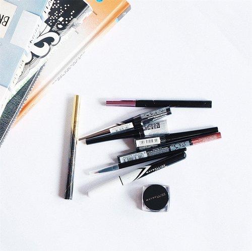 "<div class=""photoCaption"">Fly away on the wings on my eyeliner~<br /> .<br /> Stock eyeliner banyak nih dari @maybelline buat modal main me'ap minggu depan😍<br /> .<br /> By the way kamu lebih suka tipe eyeliner yang mana? Gel? Pen? Pencil? Dan kenapa? Kalo aku sih lebih suka yang pen karena biasanya lebih waterproof✨<br /> .<br /> .<br />  <a class=""pink-url"" target=""_blank"" href=""http://m.clozette.co.id/search/query?term=clozetteid&siteseach=Submit"">#clozetteid</a>  <a class=""pink-url"" target=""_blank"" href=""http://m.clozette.co.id/search/query?term=eyeliner&siteseach=Submit"">#eyeliner</a>  <a class=""pink-url"" target=""_blank"" href=""http://m.clozette.co.id/search/query?term=makeup&siteseach=Submit"">#makeup</a>  <a class=""pink-url"" target=""_blank"" href=""http://m.clozette.co.id/search/query?term=eyelineronfleek&siteseach=Submit"">#eyelineronfleek</a>  <a class=""pink-url"" target=""_blank"" href=""http://m.clozette.co.id/search/query?term=maybelline&siteseach=Submit"">#maybelline</a></div>"