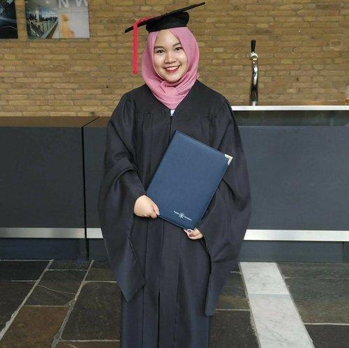 "<div class=""photoCaption"">Reihan Putri Primasatya,  S.H., LL.M<br /> .<br /> .<br />  <a class=""pink-url"" target=""_blank"" href=""http://m.id.clozette.co/search/query?term=graduation&siteseach=Submit"">#graduation</a>  <a class=""pink-url"" target=""_blank"" href=""http://m.id.clozette.co/search/query?term=llm&siteseach=Submit"">#llm</a>  <a class=""pink-url"" target=""_blank"" href=""http://m.id.clozette.co/search/query?term=lawstudent&siteseach=Submit"">#lawstudent</a>  <a class=""pink-url"" target=""_blank"" href=""http://m.id.clozette.co/search/query?term=Tilburguniversity&siteseach=Submit"">#Tilburguniversity</a>  <a class=""pink-url"" target=""_blank"" href=""http://m.id.clozette.co/search/query?term=stunedawardee&siteseach=Submit"">#stunedawardee</a>  <a class=""pink-url"" target=""_blank"" href=""http://m.id.clozette.co/search/query?term=lawandtechnology&siteseach=Submit"">#lawandtechnology</a>  <a class=""pink-url"" target=""_blank"" href=""http://m.id.clozette.co/search/query?term=studidibelanda&siteseach=Submit"">#studidibelanda</a>  <a class=""pink-url"" target=""_blank"" href=""http://m.id.clozette.co/search/query?term=kuliahdieropatidakseindahfotoinstagram&siteseach=Submit"">#kuliahdieropatidakseindahfotoinstagram</a>  <a class=""pink-url"" target=""_blank"" href=""http://m.id.clozette.co/search/query?term=alhamdulillah&siteseach=Submit"">#alhamdulillah</a>  <a class=""pink-url"" target=""_blank"" href=""http://m.id.clozette.co/search/query?term=lulus&siteseach=Submit"">#lulus</a>  <a class=""pink-url"" target=""_blank"" href=""http://m.id.clozette.co/search/query?term=indonesianfemalebloggers&siteseach=Submit"">#indonesianfemalebloggers</a>  <a class=""pink-url"" target=""_blank"" href=""http://m.id.clozette.co/search/query?term=clozetteid&siteseach=Submit"">#clozetteid</a></div>"