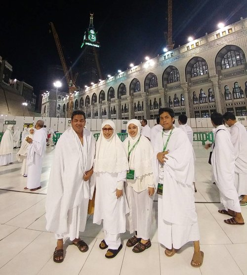"<div class=""photoCaption"">Alhamdulillah one of our wish list to go umrah together finally has been checked.  Then which of the favors of your Lord do you deny?<br /> .<br /> .<br />  <a class=""pink-url"" target=""_blank"" href=""http://m.clozette.co.id/search/query?term=umrah&siteseach=Submit"">#umrah</a>  <a class=""pink-url"" target=""_blank"" href=""http://m.clozette.co.id/search/query?term=family&siteseach=Submit"">#family</a>  <a class=""pink-url"" target=""_blank"" href=""http://m.clozette.co.id/search/query?term=makkah&siteseach=Submit"">#makkah</a>  <a class=""pink-url"" target=""_blank"" href=""http://m.clozette.co.id/search/query?term=love&siteseach=Submit"">#love</a>  <a class=""pink-url"" target=""_blank"" href=""http://m.clozette.co.id/search/query?term=pilgrimage&siteseach=Submit"">#pilgrimage</a>  <a class=""pink-url"" target=""_blank"" href=""http://m.clozette.co.id/search/query?term=masjidalharam&siteseach=Submit"">#masjidalharam</a>  <a class=""pink-url"" target=""_blank"" href=""http://m.clozette.co.id/search/query?term=moslem&siteseach=Submit"">#moslem</a>  <a class=""pink-url"" target=""_blank"" href=""http://m.clozette.co.id/search/query?term=islam&siteseach=Submit"">#islam</a>  <a class=""pink-url"" target=""_blank"" href=""http://m.clozette.co.id/search/query?term=clozetteid&siteseach=Submit"">#clozetteid</a>  <a class=""pink-url"" target=""_blank"" href=""http://m.clozette.co.id/search/query?term=indonesianfemalebloggers&siteseach=Submit"">#indonesianfemalebloggers</a></div>"