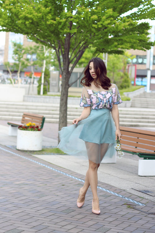 "<div class=""photoCaption"">SUMMER DREAMS! Here in Sapporo it's getting pretty cold, wish we had nice and warm weather! More here: <a href=""http://jenniferbachdim.com/2015/06/01/summer-dreams/"" class=""pink-url""  target=""_blank""  rel=""nofollow"" title=""http://jenniferbachdim.com/2015/06/01/summer-dreams/"">http://jenniferbachdim.com/2015/06/01/summer-dreams/</a> <br /> <br /> Outfit: Boba Babe  <a class=""pink-url"" target=""_blank"" href=""http://m.id.clozette.co/search/query?term=BobaBabe&siteseach=Submit"">#BobaBabe</a>  <a class=""pink-url"" target=""_blank"" href=""http://m.id.clozette.co/search/query?term=OOTD&siteseach=Submit"">#OOTD</a></div>"