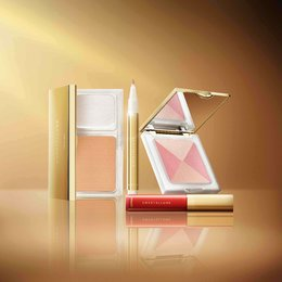 Kandungan Crystalline Gold Powder Hadir Dalam Kosmetik Untuk Kulit Muda Bercahaya