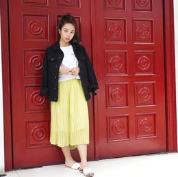 On Trend: 3 Ways To Wear A Micropleat Skirt