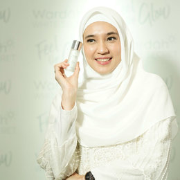 Wardah Perkenalkan Dhini Aminarti Sebagai The New Face Of Wardah White Secret Series