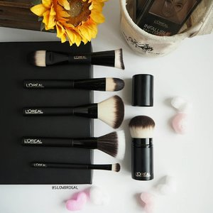 Fluffy new makeup brushes to start my week! 😍😍 #Loreal Makeup Designer had finally launched the new affordable Synthetic Makeup Brushes!! ❤❤ I am loving these affordable drugstore brushes coz they are pretty soft and dense. . I bought them with me while I travelled recently. It feels so light and convenient to include them in my makeup bag. These brushes are Synthetic Brushes hence it may feel slightly more hard/plasticky-feeling (If you know what I mean). 😏  Despite that I do have my favourites which I recommend. 💕 The Foundation Brush, Kabuki and Dual-ended Contour brush are my favorites. Do you know that dual-ended contour brush is endorsed by Kim-K's Makeup Artist, Mario. 👍👍 .  These makeup brushes are now available in all Loreal Counters. Definitely worth a checkout~~ #clozette #Lorealparissg #Lorealparis