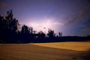 We've finally come to the last post of my #ThrowbackPhuketAdventures. Hope you had fun exploring the beautiful Phi Phi Islands with me. I'm going to leave you with this beautiful lightning photo taken by our @honeyzpainthouse Creative Director @simnematic, risking his life for the perfect shot at Nai Yang Beach.  Good night everyone. 🌚⚡️ #clozette #travel