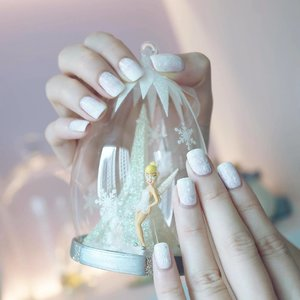This Yuletide season, all you need is faith, trust and a little bit of pixie dust! Oh! And don't forget - pretty Christmas themed manicured nails too! 😁😁😁 Quote JULIANA for 10% off all services at Nail Indulgence De Beau! Psst! Birthday peeps get an even bigger treat with an extra 5% off! 📷: @bobbystryker  #clozette #notd