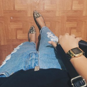 Caramelized { shoes #charlesandkeith , Jeans #mangojeans }  #sotd #ootd #vsco #clozette
