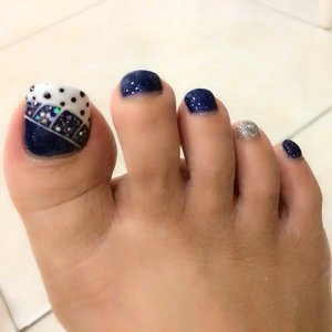 A lil bling on the toes..seems like a good casual Friday to go out with pretty sandals! Goodbye haze...(hope it stays this clear & bright!!) #pedicure #clozette #gelcolor #nailart #blingbling #beauty